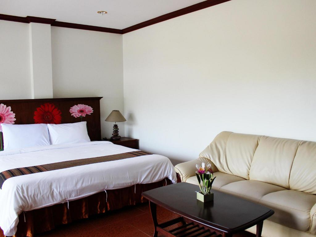 More about Baan Chomtawan Guesthouse