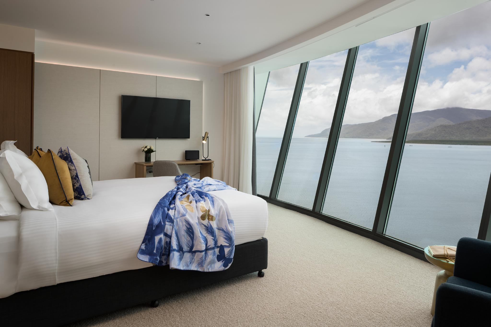 Panoramic Sea View Room with King Bed