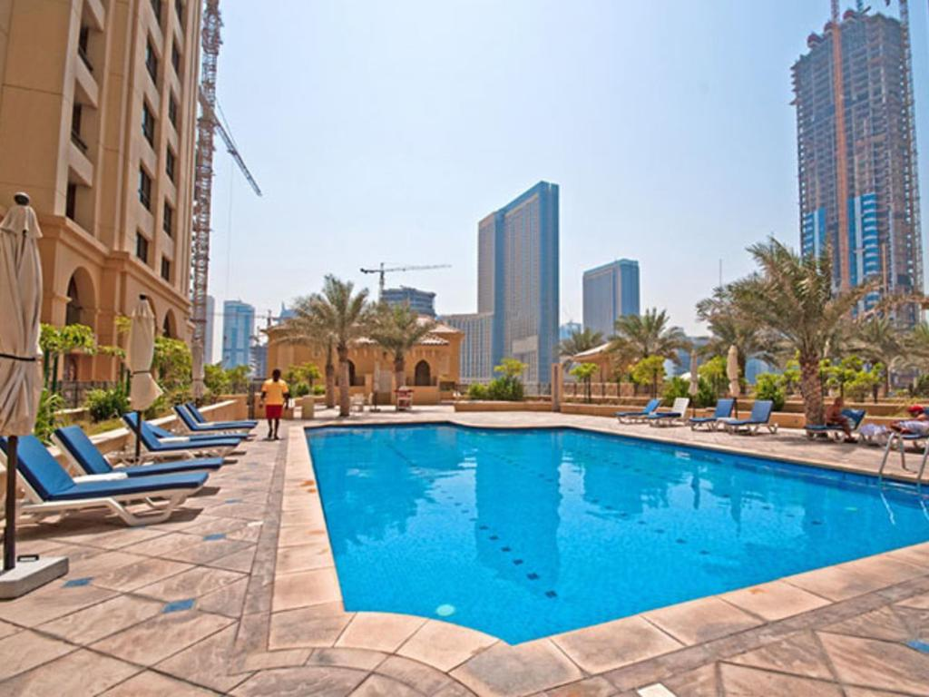 Basen Vacation Bay - Jumeirah Beach Residence Sadaf 4