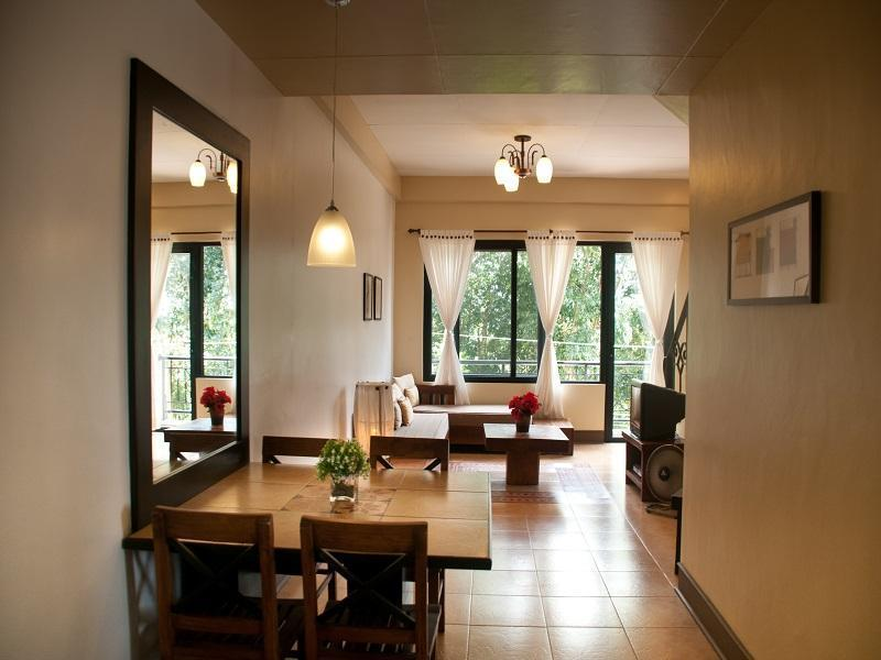 Villa (Rate for 6 persons with 4 FREE breakfast)