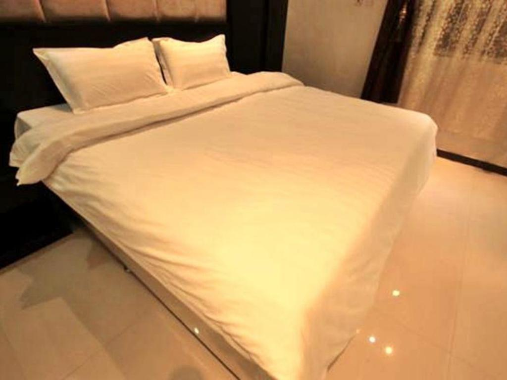 Studio - Bed Olaya Suites