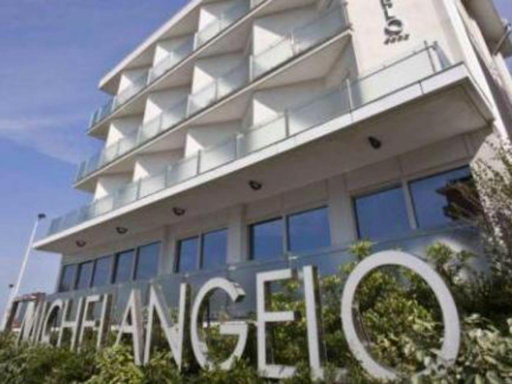 More about Hotel Michelangelo