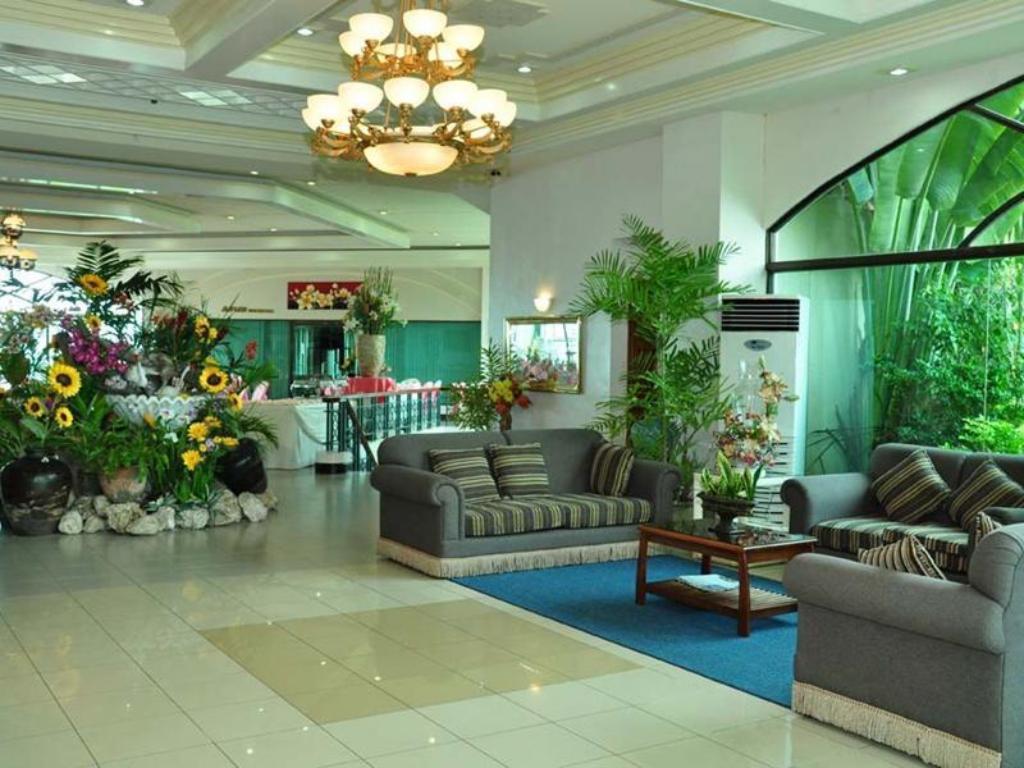 Hotel Reviews of Bohol Plaza Resort and Restaurant Bohol ...