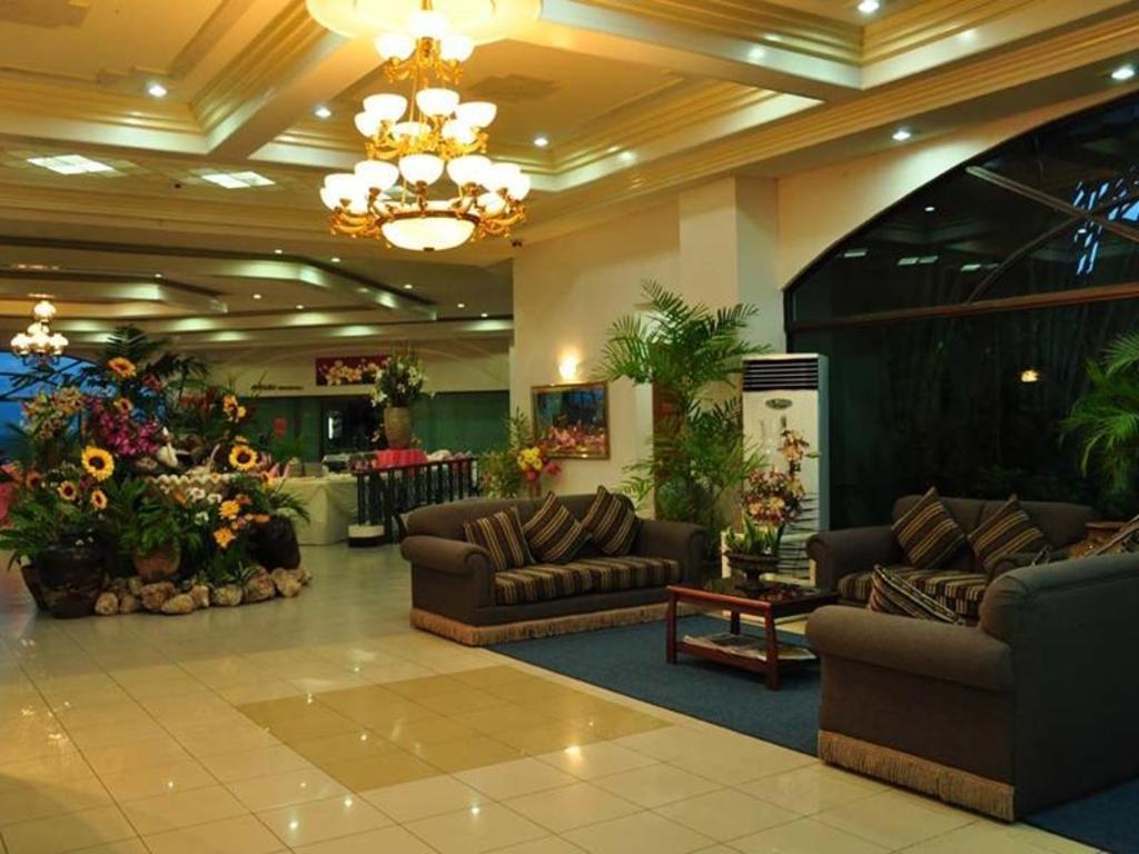 Bohol Plaza Resort and Restaurant, Panglao Island - 11 ...