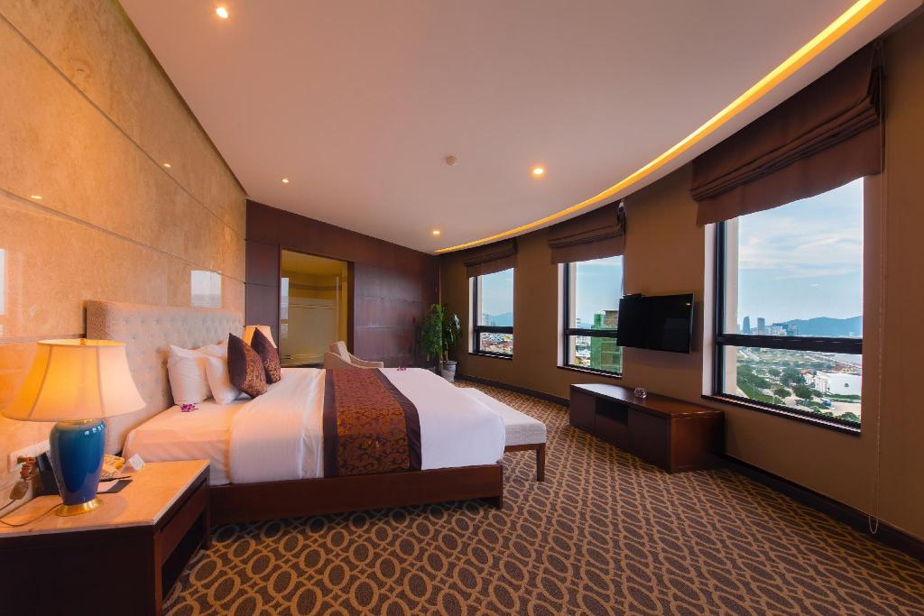 Premier Suite Double Room - Bed Minh Toan Galaxy Hotel Da Nang