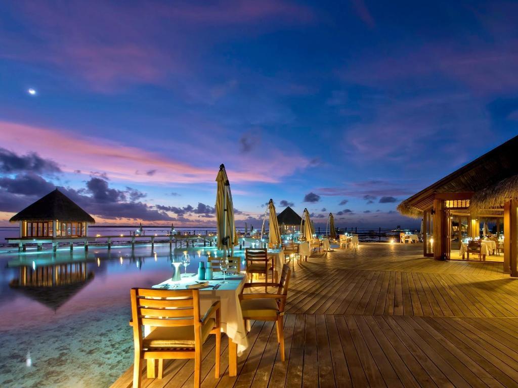 Interior View Hideaway Beach Resort And Spa