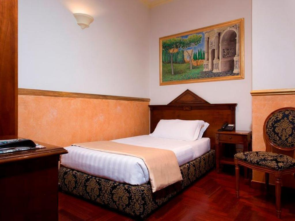 Single Room Comfort Hotel Teatro Pace