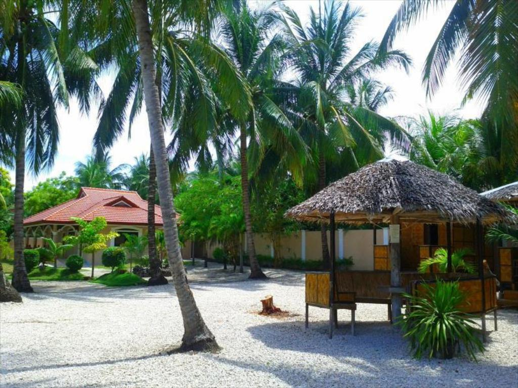 Luzmin BH Cottages and Bungalows in Cebu Room Deals Photos