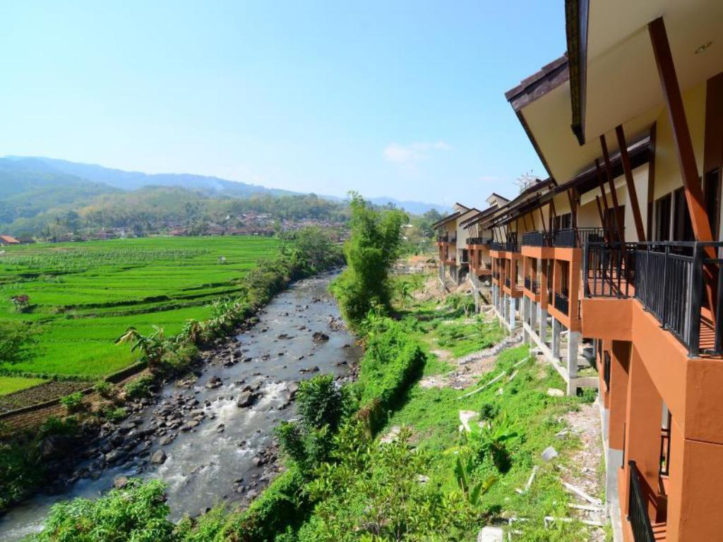 Bess Resort And Waterpark In Malang Room Deals Photos