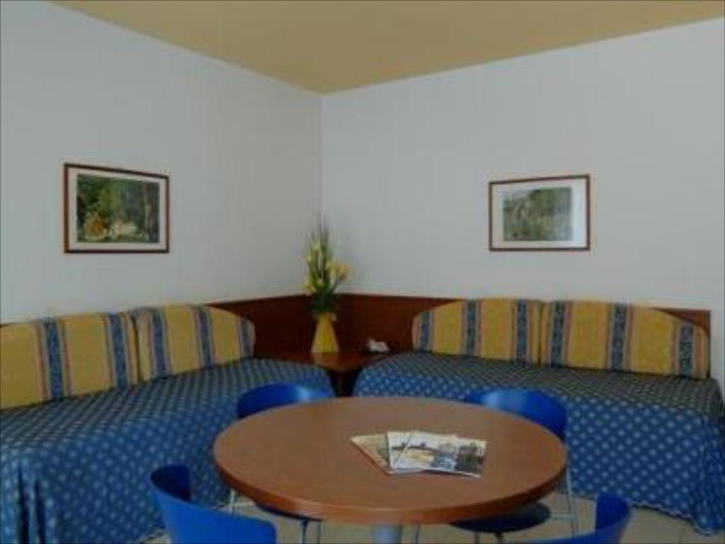 Interior view BEST WESTERN Titian Inn Hotel Venice Airport