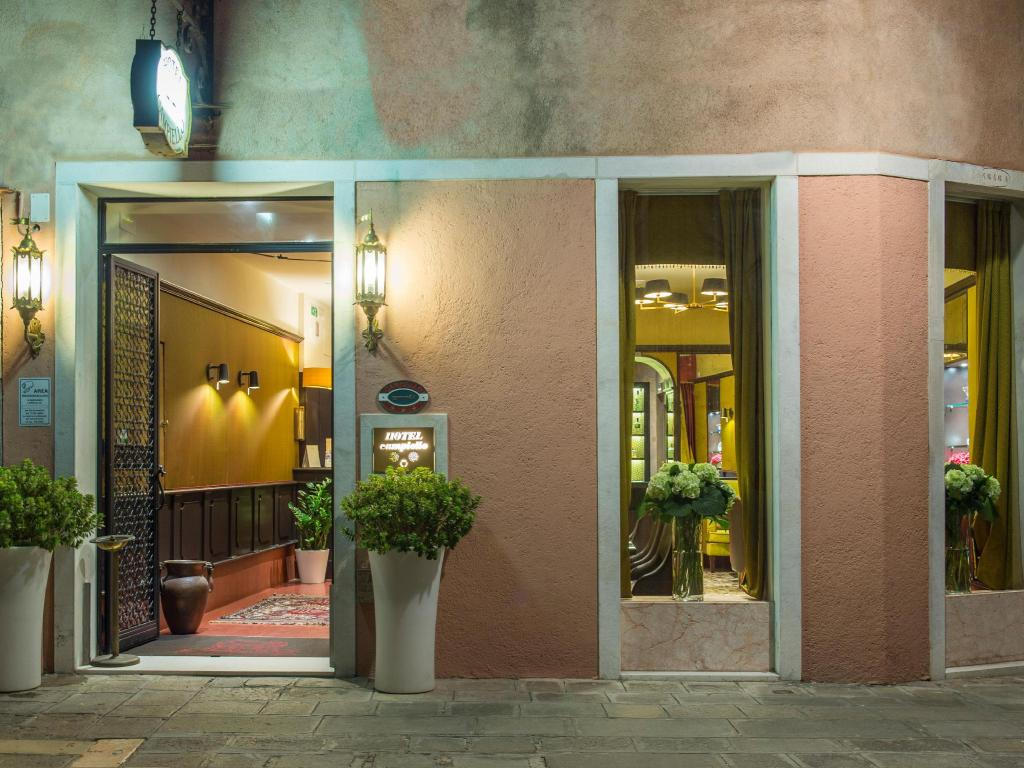 More about Hotel Campiello