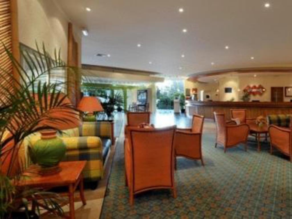 Lobby Pestana Delfim Beach & Golf Hotel