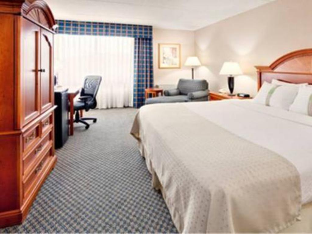 Standarta - Viesistaba Holiday Inn Auburn-Finger Lakes Region