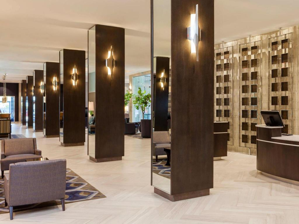 Sheraton Charlotte Hotel in Charlotte (NC) - Room Deals, Photos ...