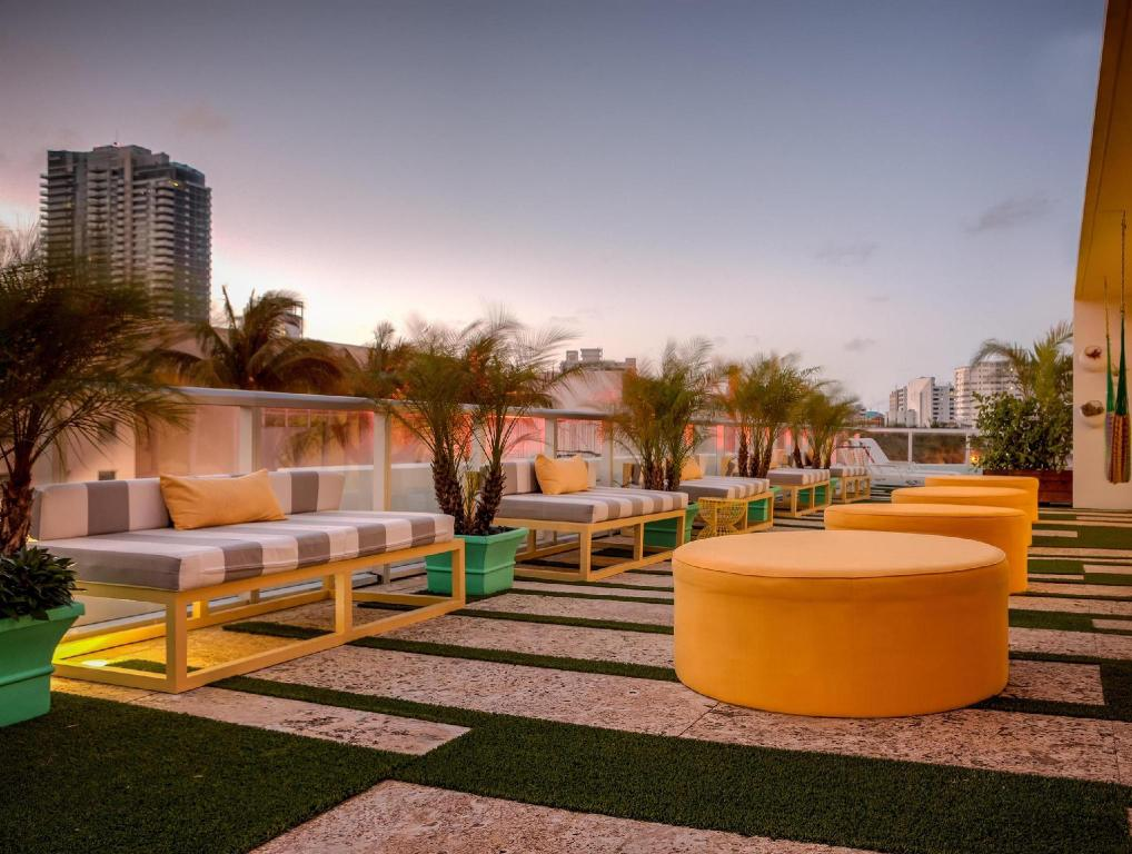 Best Price On Vintro Hotel Miami Beach Curio Collection