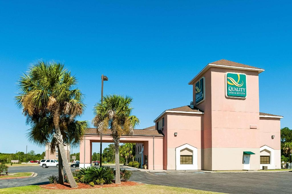Quality Inn & Suites Lake Charles South