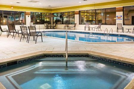Piscină Holiday Inn Express Hotel & Suites Pigeon Forge