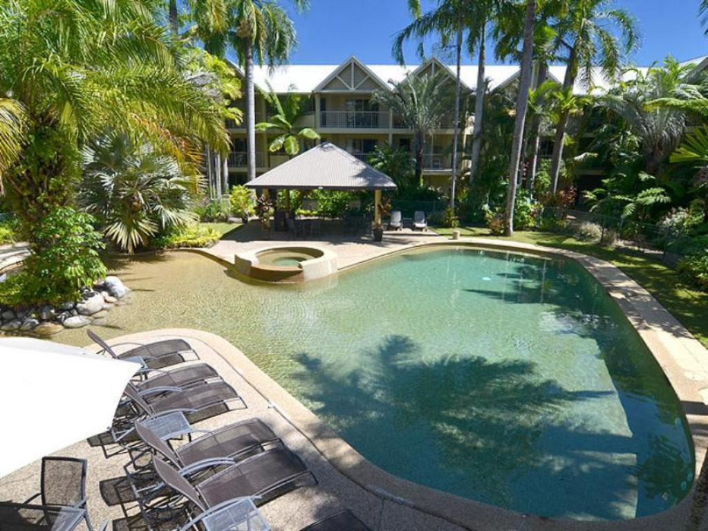 Swimming pool Port Douglas Sands Resort