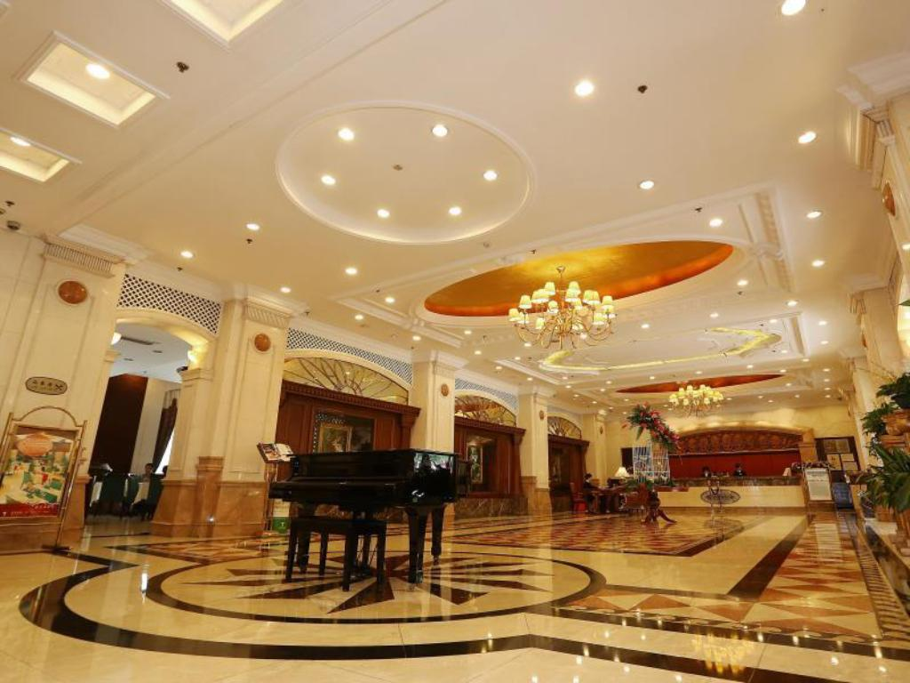 Hol Grand Palace Hotel(Grand Hotel Management Group)