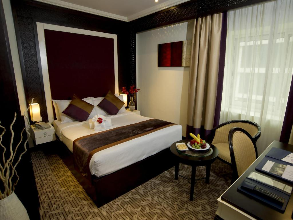 The Budget Single Room - Guestroom Carlton Tower Hotel