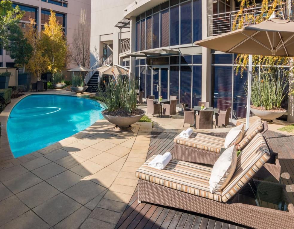 Piscina City Lodge Hotel Lynnwood Pretoria