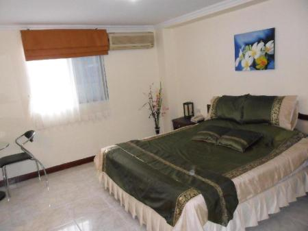 Deluxe Double Room Adonis Guest House