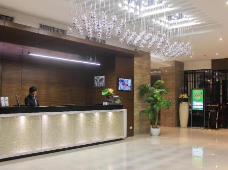 Lobby Brentwood Suites
