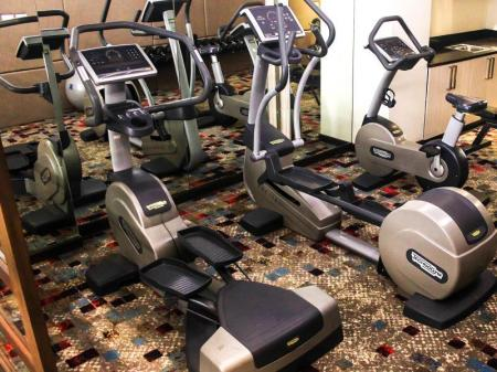 Fitness center Brentwood Suites