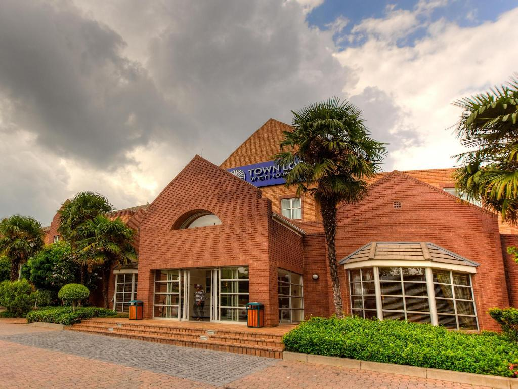 More about Town Lodge Sandton Grayston Johannesburg
