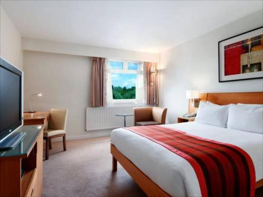Double Hilton Guest Room - Guestroom Hilton Watford Hotel