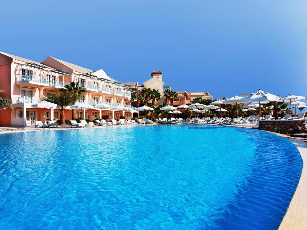Piscina exterior Movenpick Resort & Spa El Gouna
