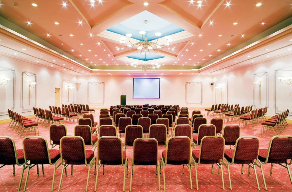 Meeting room Movenpick Resort & Spa El Gouna