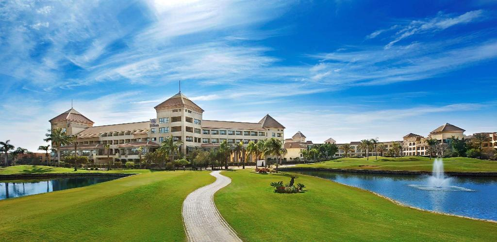More about Hilton Pyramids Golf