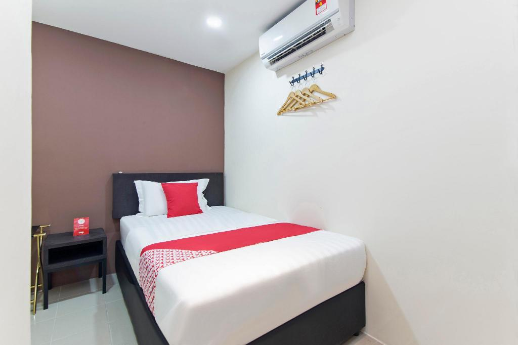 Standard Single Room OYO 265 Nurdiono House Kentungan