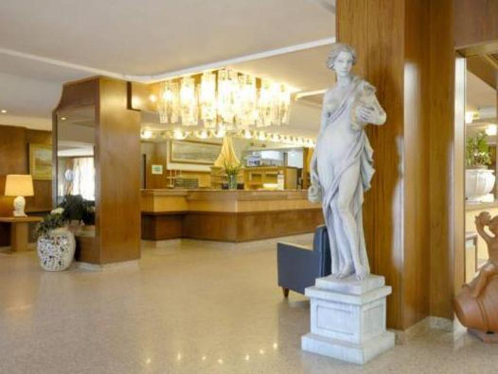 Lobby Hotel Delta Florence