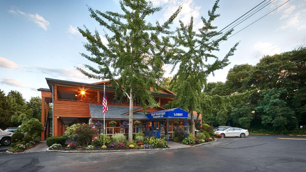More about Best Western Woodbury Inn
