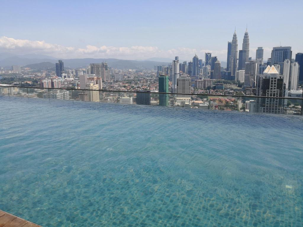 Family Suite with Infinity Pool KLCC View Entire apartment (Kuala