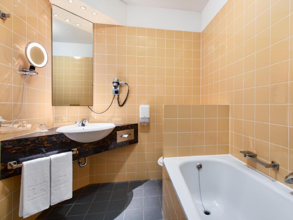 غرفة عادية - حمام