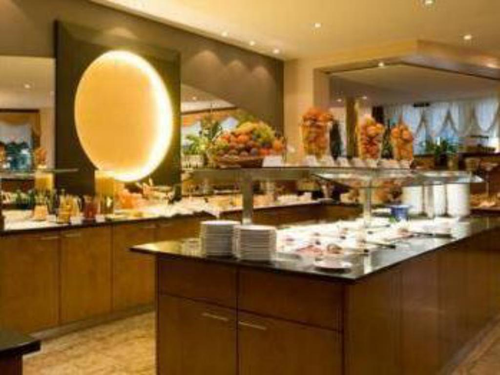 Buffet Lindner Grand Hotel Beau Rivage