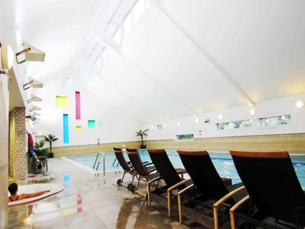 ashford international hotel qhotels in united kingdom. Black Bedroom Furniture Sets. Home Design Ideas