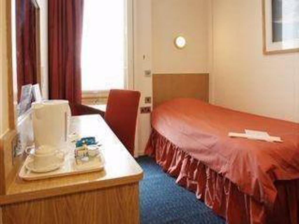 Classic Single St Giles Heathrow – A St Giles Hotel