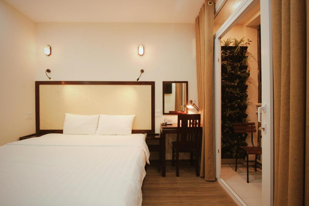 Toppen Balcony, 24/7 staff, central, bestprice tours Apartment (Hanoi FB-85