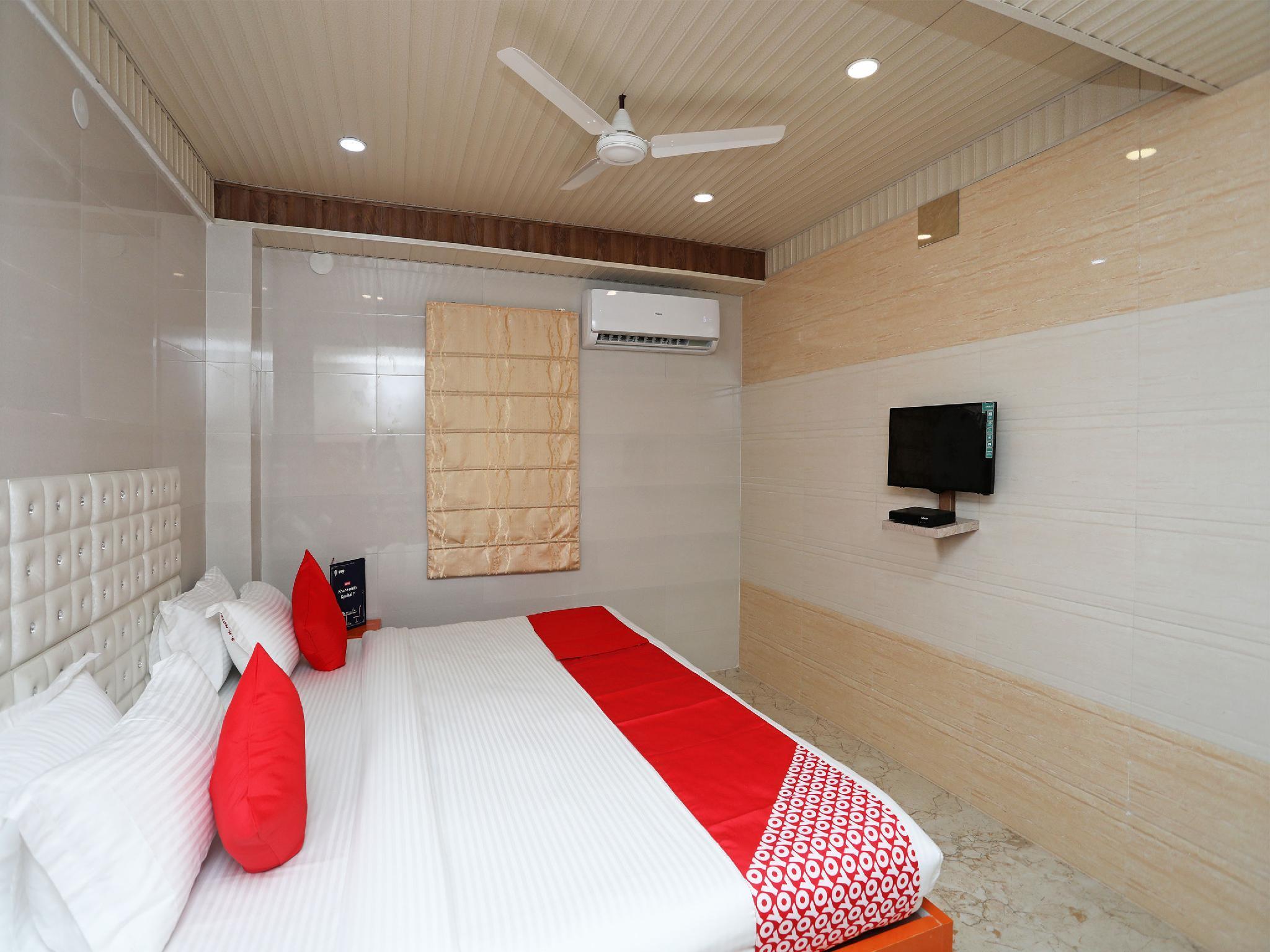 OYO 14373 Shree Krishna Hotel in Kolkata - Room Deals, Photos & Reviews