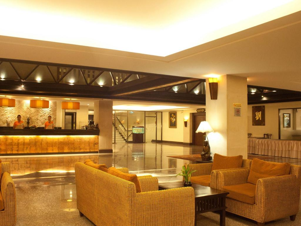 Лобби Royal Peninsula Hotel Chiangmai