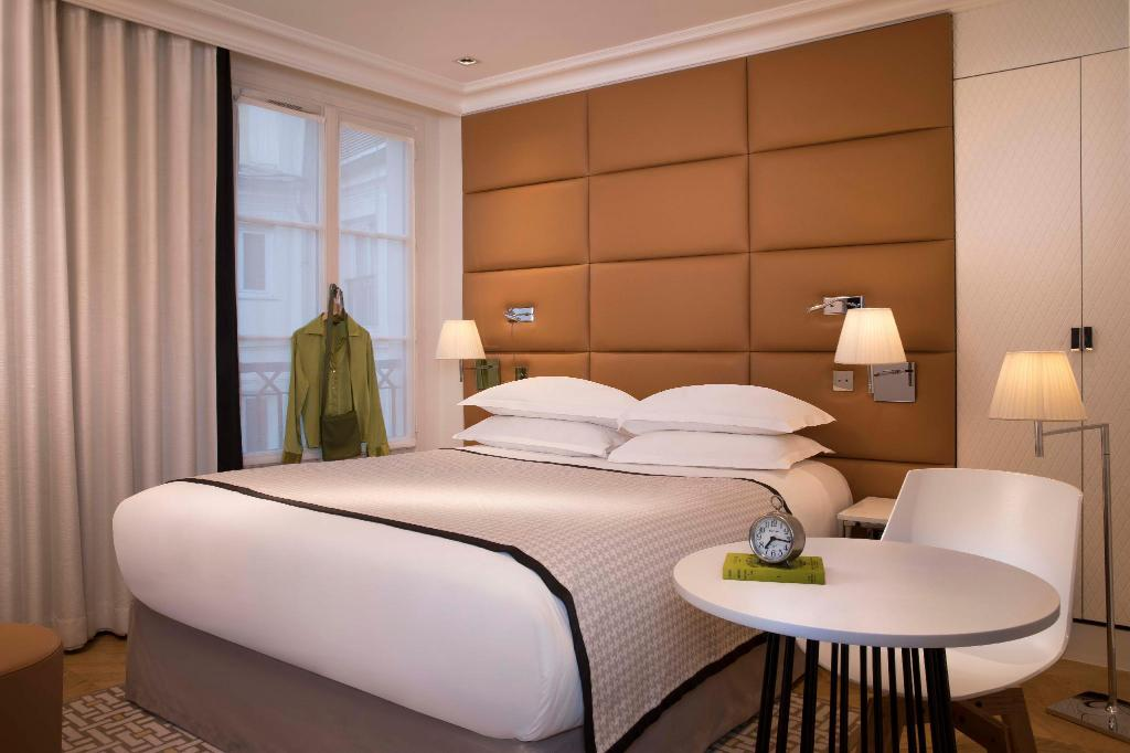 Classic Double - Bed Hotel R de Paris