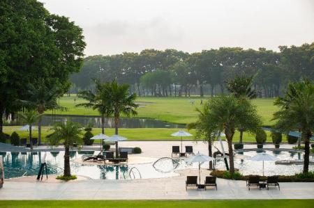 Swimming pool Eastin Thana City Golf Resort Bangkok