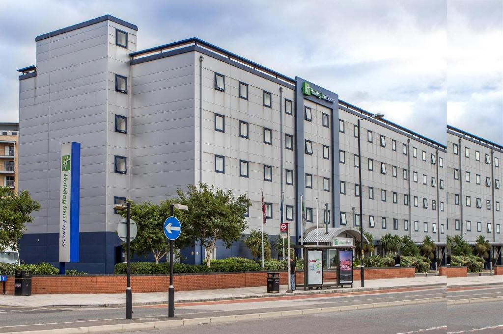 Utvendig Holiday Inn Express Royal Docks