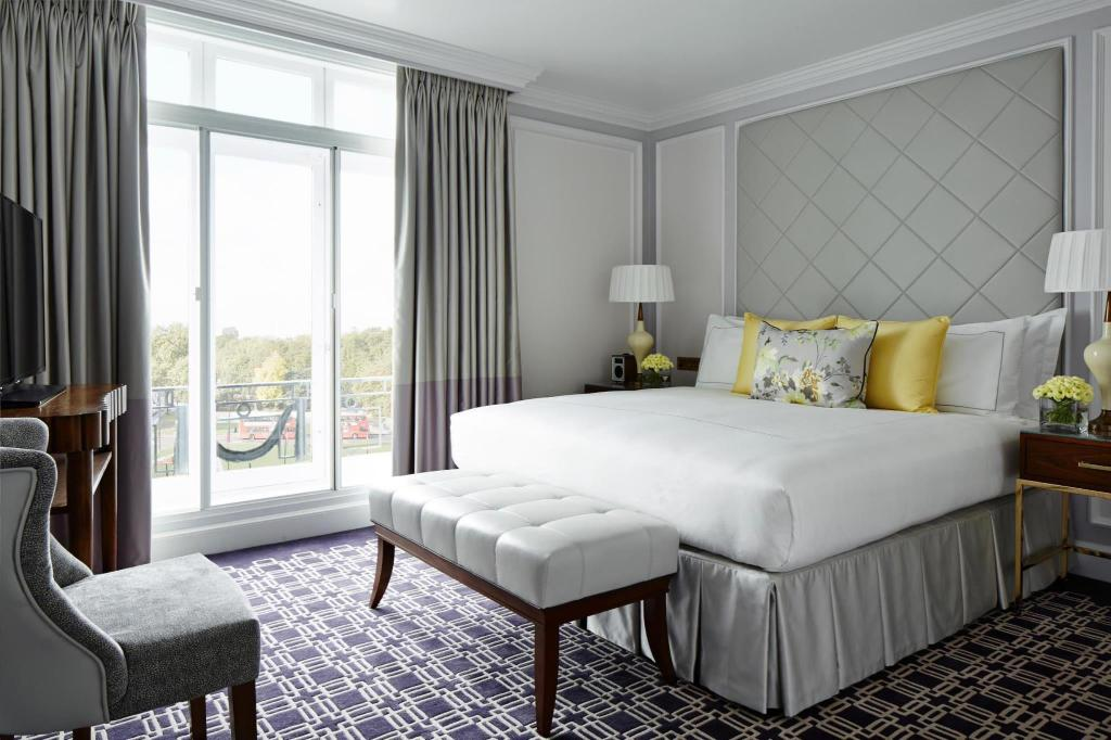 Deluxe room, Guest room, 1 King or 2 Twin/Single Bed(s) - Guestroom London Marriott Hotel Park Lane