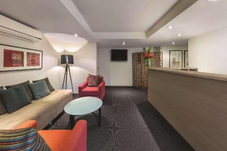 Lobby Adina Serviced Apartments Canberra Kingston