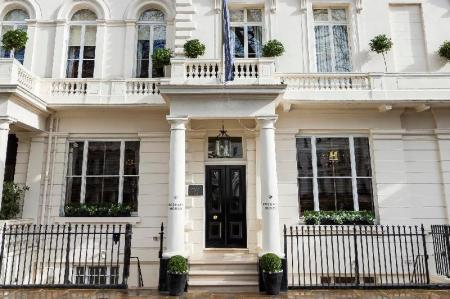 Вход Roseate House London